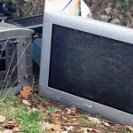 tv e monitor buttati