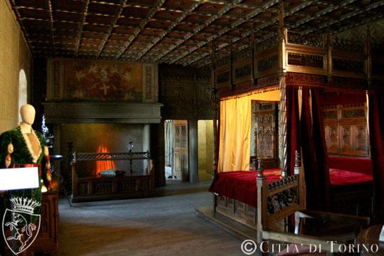Camere Da Letto Medievali : Camera da letto nel medioevo medioevo abitazione la vita