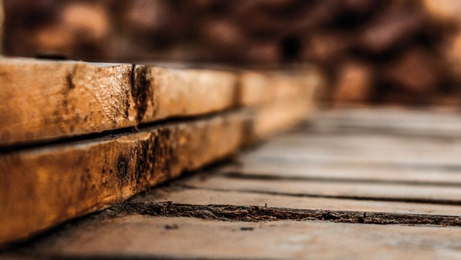 trave di legno