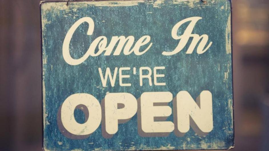 cartello apertura negozio